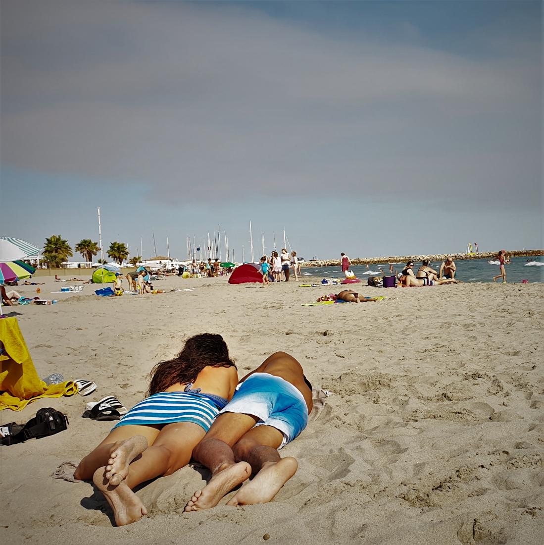 Grau-du-roi couple à la plage ©1MP2