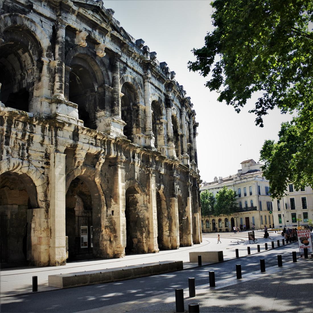 Nîmes - les arènes ©1MP2
